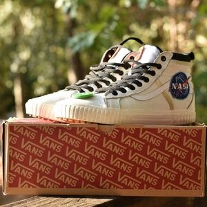 Vans NASA Space Voyager